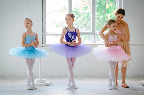 Anak Moms pandai menari? Yuk lakukan hal berikut ini untuk dukung bakatnya!